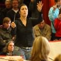 Dirigentin Laura beim Abschlusskonzert