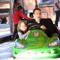 Pfarrer mit zukünftigen Chauffeur